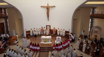 Msza Krzyżma Świętego, Wielki Czwartek 2019, Tirana, Albania