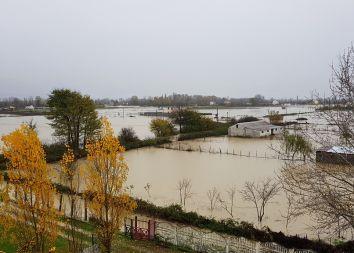 Albania: Święty Mikołaj powodzian