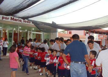 """Meksyk: Pierwszy salwatoriański zawodowy klub sportowy """"Fuerza Salvatoriana"""" 2011"""